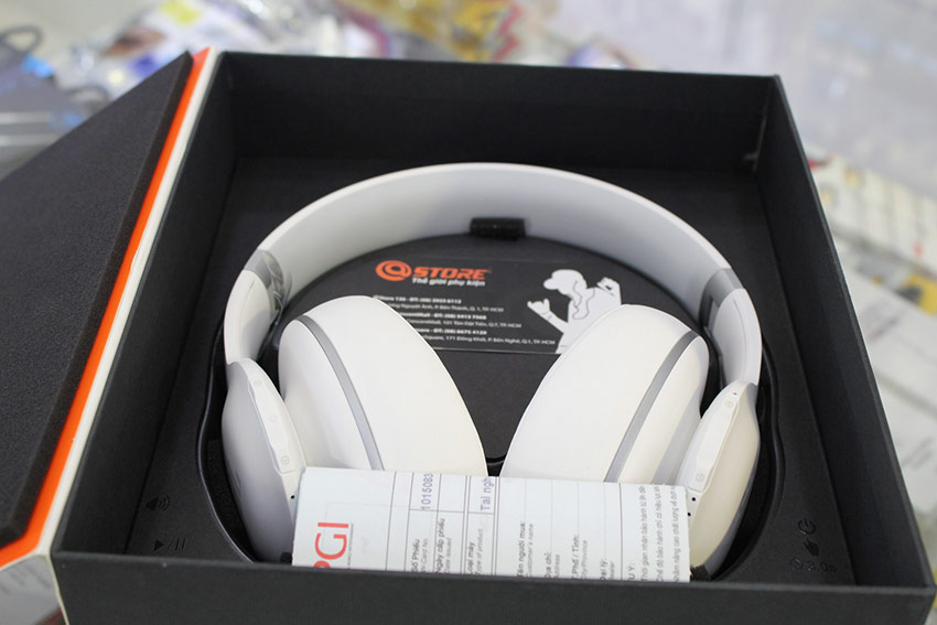 Tai nghe JBL Everest Elite 700