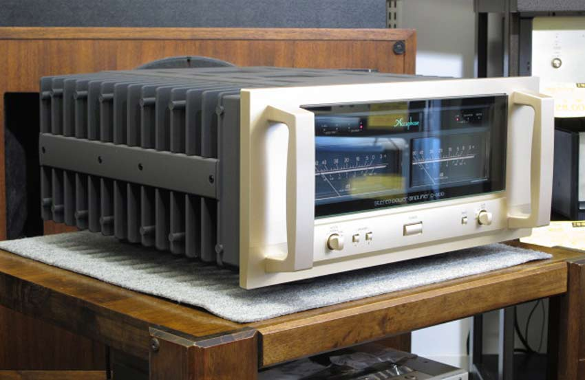Power Amply Accuphase P-6100