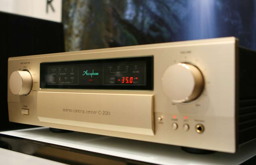 Stereo Control Center Accuphase C-2120