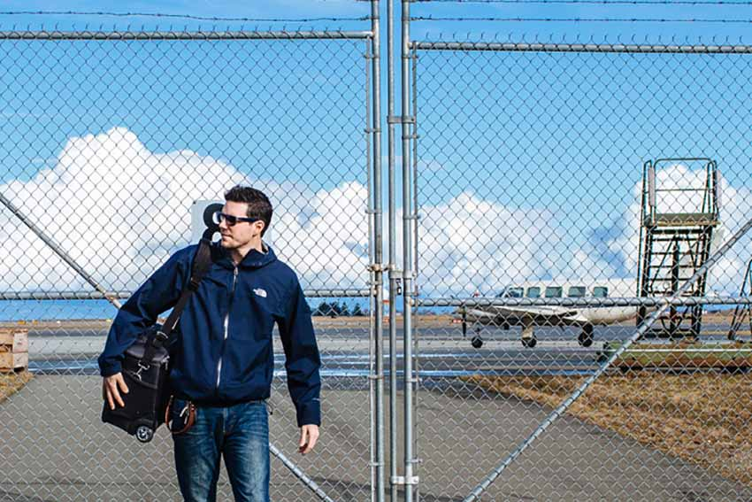 Vali Think Tank Photo Airport Navigator