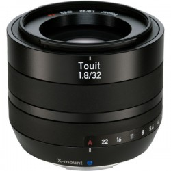 Carl Zeiss Touit 32mm f1.8 for Fujifilm X-Mount (Chính hãng)